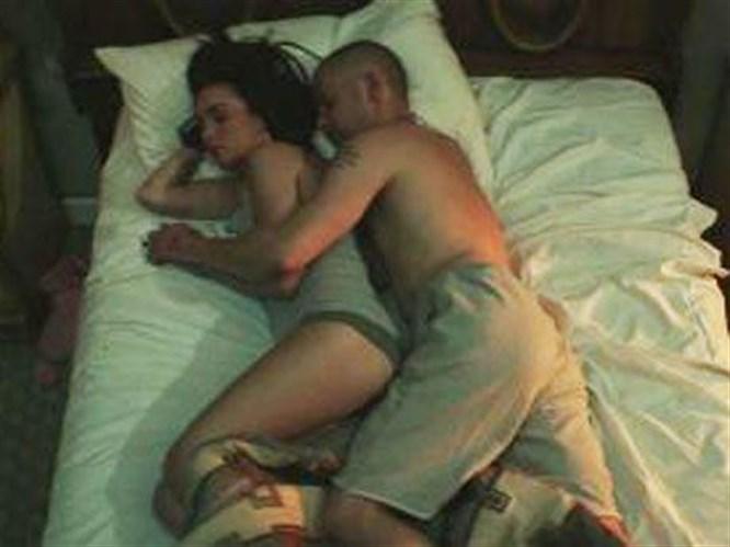 Megan Fox ve Rihanna aynı klipte